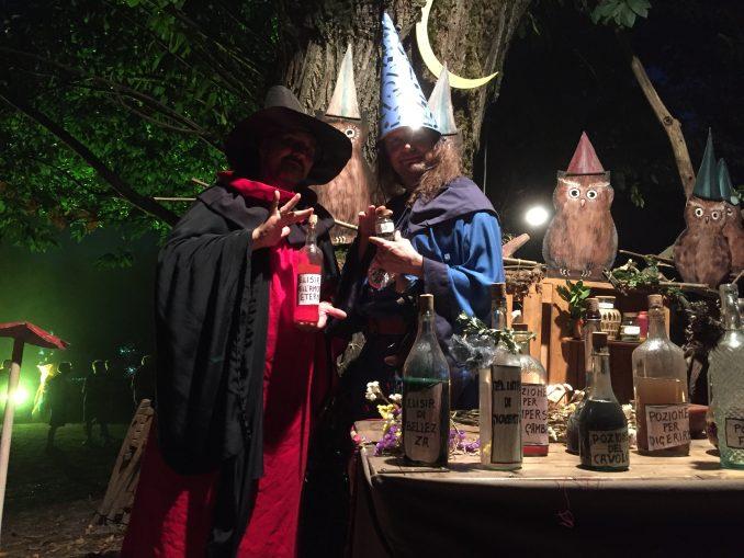 Nel bosco  fatato di Montaldo Roero con gnomi, maghi e folletti