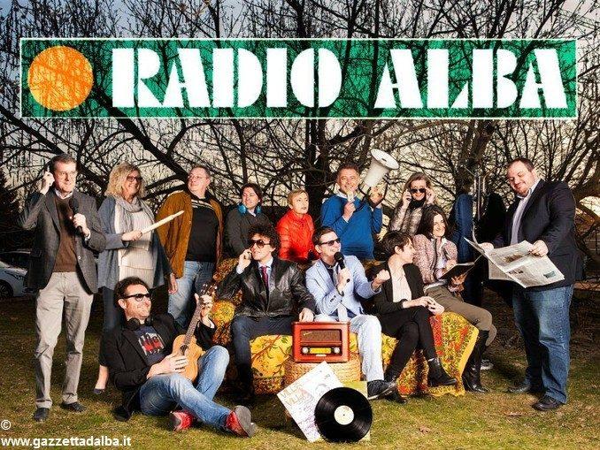 Notte di festa, in piazza Michele Ferrero, per Radio Alba