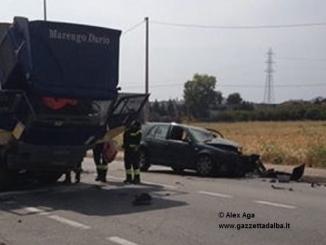 Incidente tra un'auto e un camion a Vaccheria, viabilità in tilt