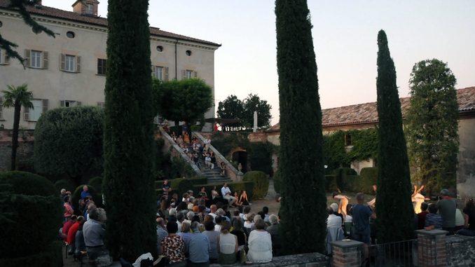 Venerdì 18 agosto il parco del castello di Coazzolo diventa luogo di narrazione e convivio 1