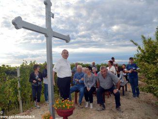 Benedetta la nuova croce di borgata Rossi a San Rocco Seno d'Elvio