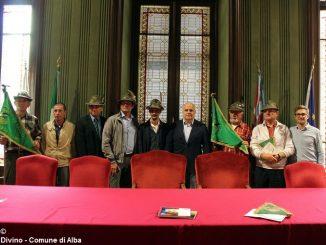 Gli alpini e il sindaco di Viganò sono stati ricevuti in municipio