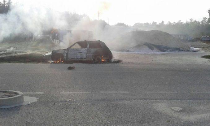 Auto in fiamme a Montà, illeso il conducente 4