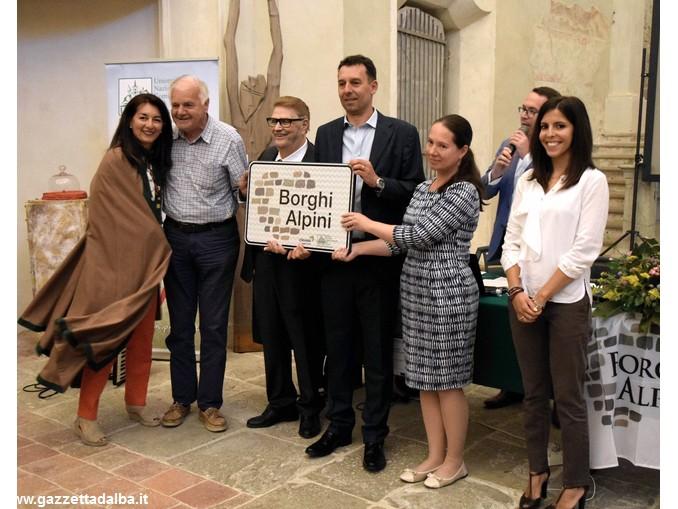UNCEM_consegna_cartello_Borghi_Alpini