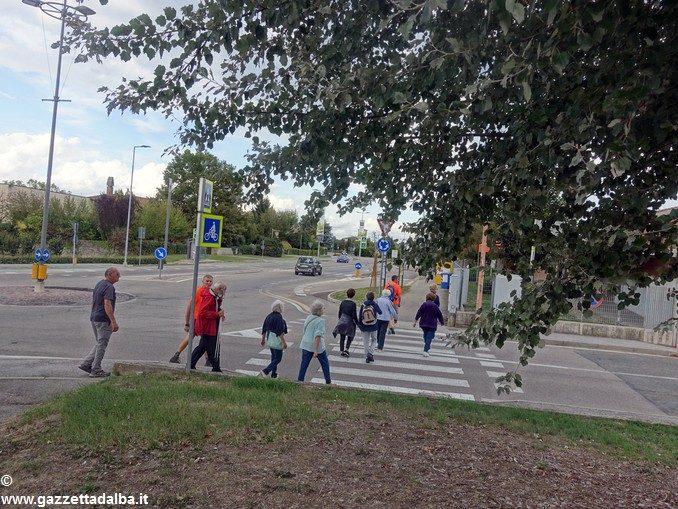 Lunedì 25 partono i gruppi di cammino per gli anziani attivi di Alba 2