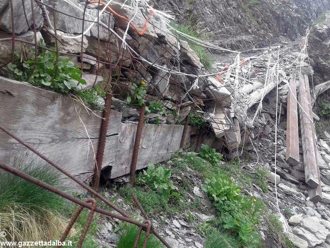 I forestali della Regione hanno realizzato nuovi muri a secco in Valle Varaita 1