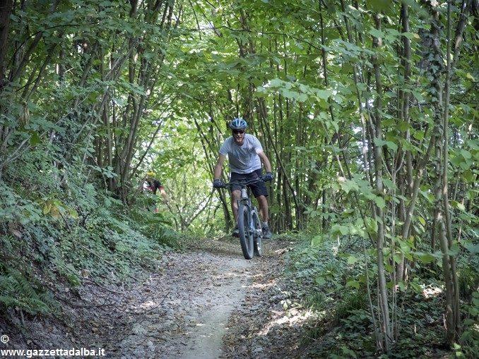 Se il turismo si muove in e-bike tra le rocche del Roero 1