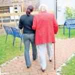 L'Asl propone un corso per stare vicino agli anziani