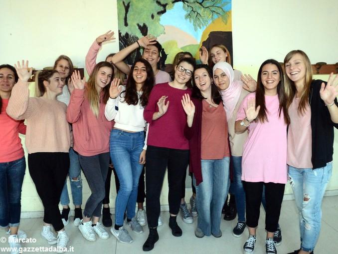 Liceo Da Vinci pink day contro la violenza sulle donne (2)