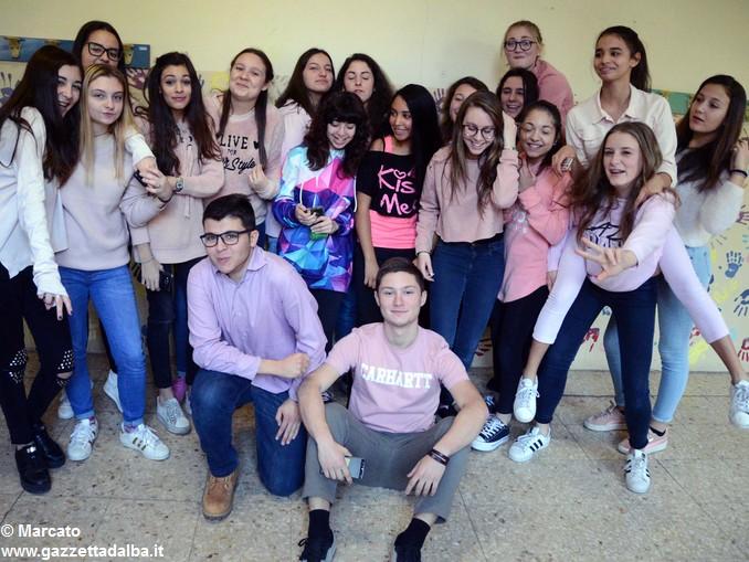 Liceo Da Vinci pink day contro la violenza sulle donne (7)
