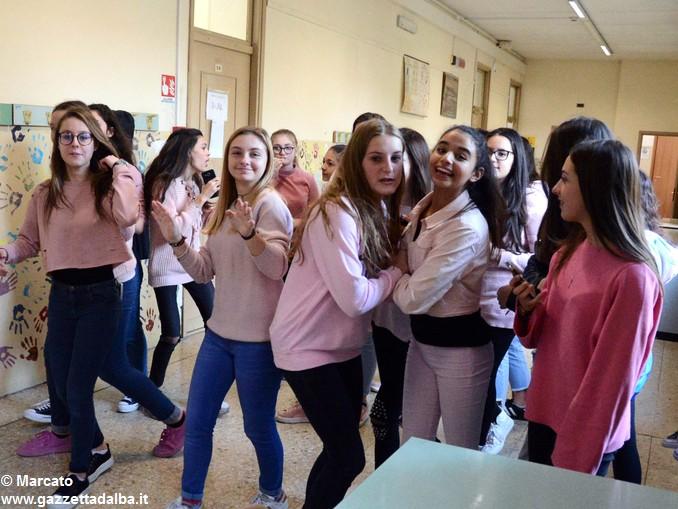 Liceo Da Vinci pink day contro la violenza sulle donne (9)