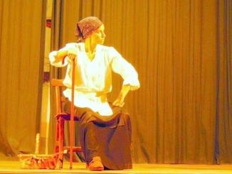 Spettacolo teatrale e cena, sabato 25 nella sala teatro dell'Albahotel