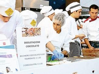 Grappa e cioccolato nel salotto dei gusti in piazza Risorgimento