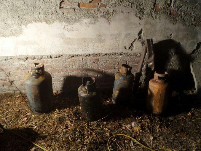 Alba: domato dai vigili del fuoco un incendio nei pressi del cimitero 1