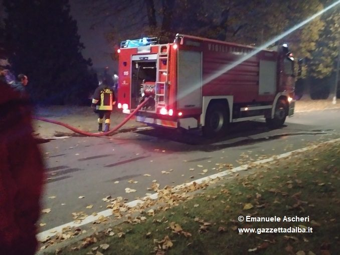 Alba: domato dai vigili del fuoco un incendio nei pressi del cimitero 4