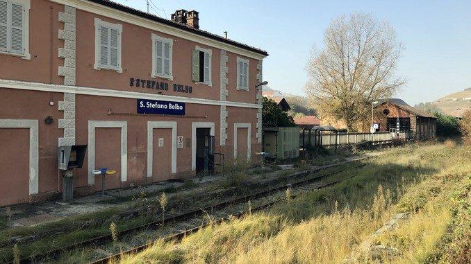 Aree e immobili della stazione di Santo Stefano Belbo sono in vendita