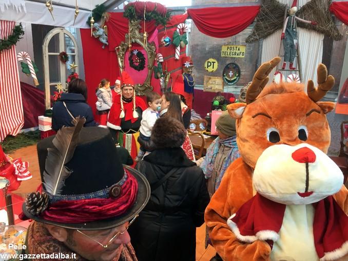 Babbo Natale ed elfi Alba foto Pelle (8)