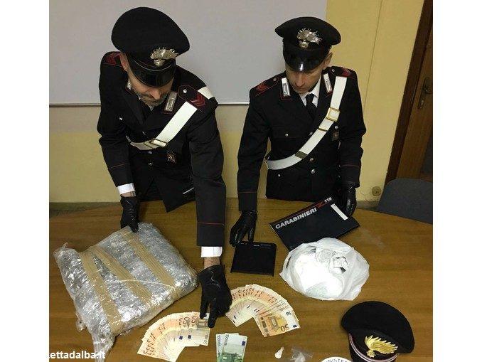 Arrestato dai Carabinieri di Alba con due chili e mezzo di marijuana