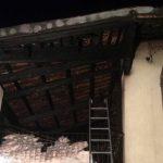 I Vigili del fuoco hanno domato l'incendio in un magazzino di cornici a Bandito