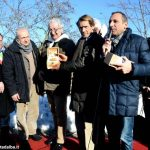 Davide Rampello presenta i tartufi del Roero a Striscia la notizia