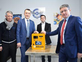 """Ecco il fenomeno bitcoin. Ad Alba è stato installato il primo """"distributore"""""""