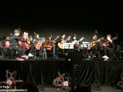 Una festa di note per il concerto di Natale della media Pertini 8