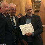 Carlo Petrini ha ricevuto all'Institut de France il premio François Rabelais