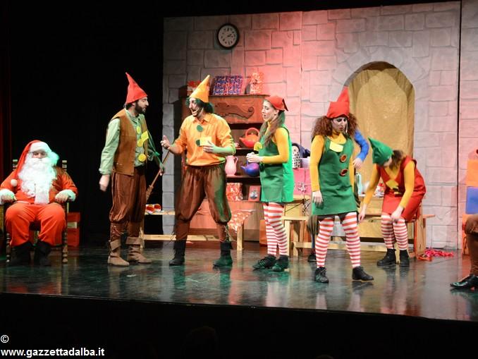 spettacolo teatrale La casa di Babbo Natale (1)