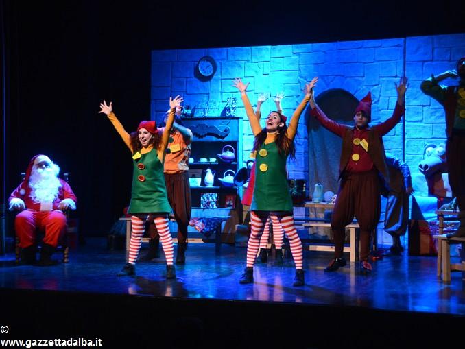spettacolo teatrale La casa di Babbo Natale (10)