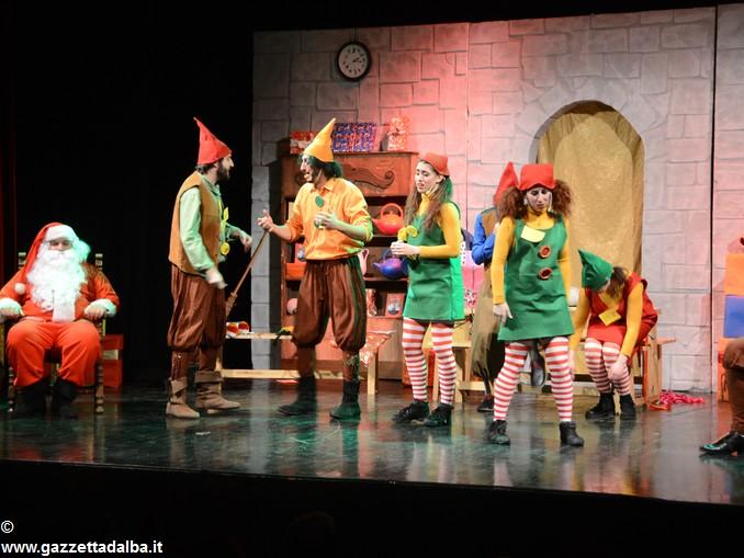 spettacolo teatrale La casa di Babbo Natale (2)