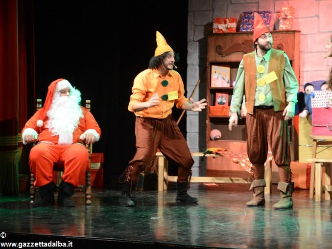 spettacolo teatrale La casa di Babbo Natale (5)