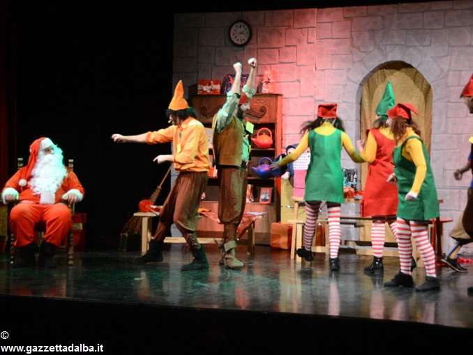 spettacolo teatrale La casa di Babbo Natale (6)