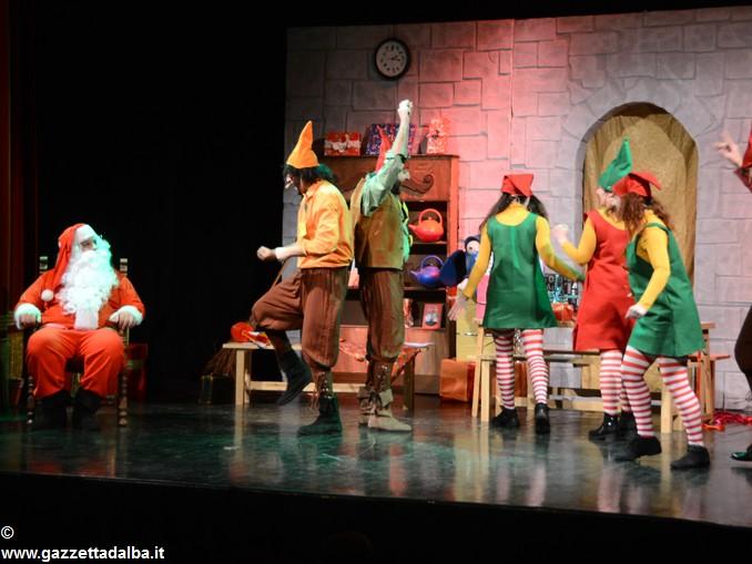 spettacolo teatrale La casa di Babbo Natale (7)
