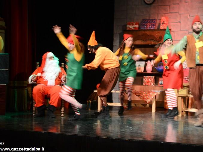 spettacolo teatrale La casa di Babbo Natale (8)