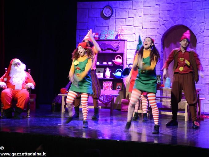 spettacolo teatrale La casa di Babbo Natale (9)