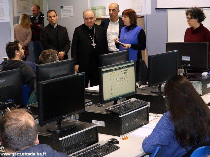 Il pomeriggio del vescovo Marco Brunetti con i ragazzi di Apro