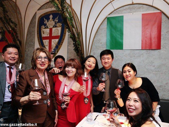 I cavalieri del tartufo e dei vini d'Alba sono arrivati anche a Taiwan