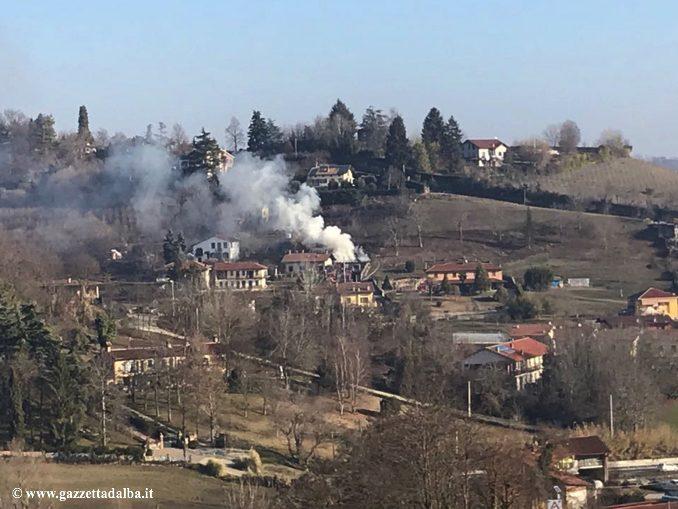Bra: domato incendio divampato nelle vicinanze di una casa
