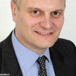 Gianmario Racca, sindaco di Sanfrè, è stato sospeso, ma non si dimette
