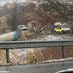 Pauroso incidente a Neive: autoarticolato finisce in una vigna