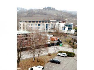 Il fantasma vandalizzato del medical hotel mai decollato in via De Amicis