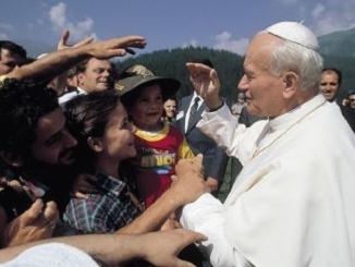 Alba dedica una piazza a San Giovanni Paolo II