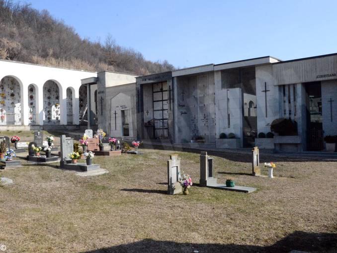 Cimitero Scaparoni-Piana Biglini 1