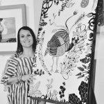 La pittrice Roberta Astegiano alla Cantina comunale di La Morra