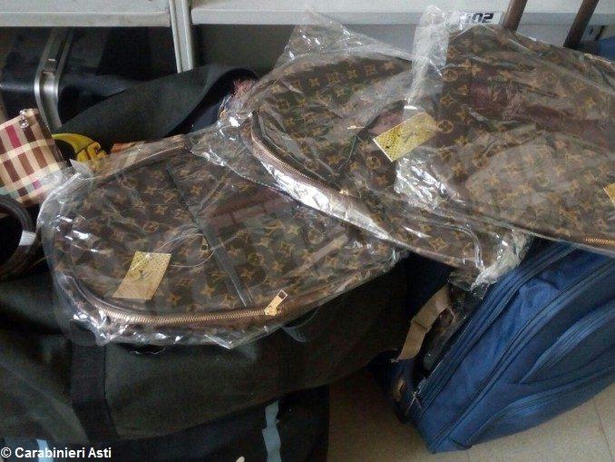 Scoperto ad Asti un negozio clandestino di merce rubata e falsa 1