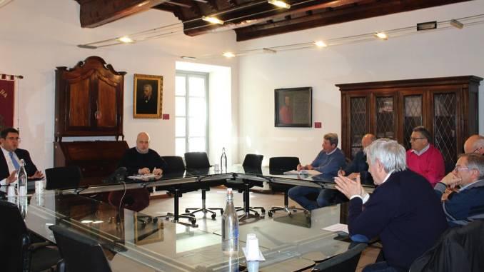 Alba: incontro tra la Miroglio, i sindaci della zona e Maurizio Marello