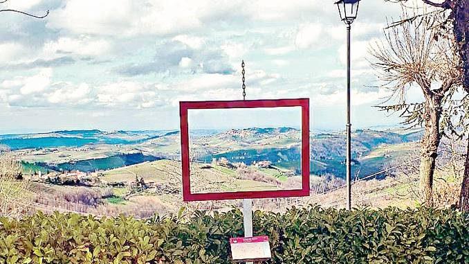 A Belvedere Langhe il paesaggio è in cornice