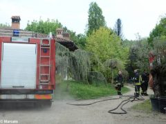 Grosso incendio, senza feriti, presso un vivaio di Roddi. Il video 2