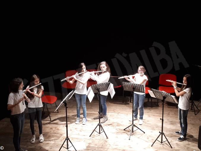 Busca Pertini sestetto flautiste prima sul palco a Busca