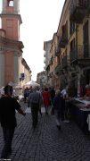 Sole e folla al Mercato delle pulci e a Porté disné. Le foto più belle